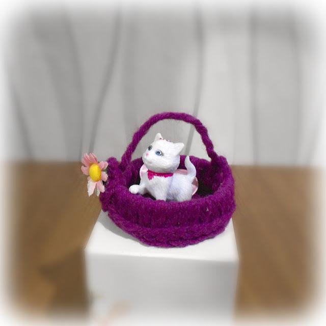 лежанка, для кукольного домика, сувенир, пряжа, подарок, новинка