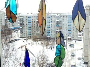 Делаем подвес на окно из витражных перьев. Ярмарка Мастеров - ручная работа, handmade.