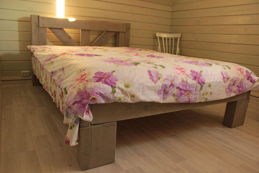 спальня в доме, в стиле кантри