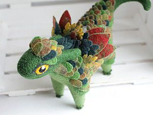 Making Felted Dragon with Feathers. Livemaster - handmade