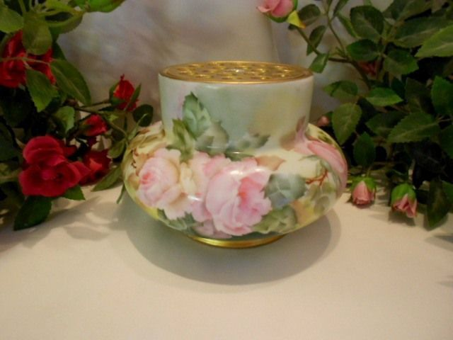 Beautiful, Rare Rosenthal Bulbous Flower Frog Vase; Gorgeous Roses