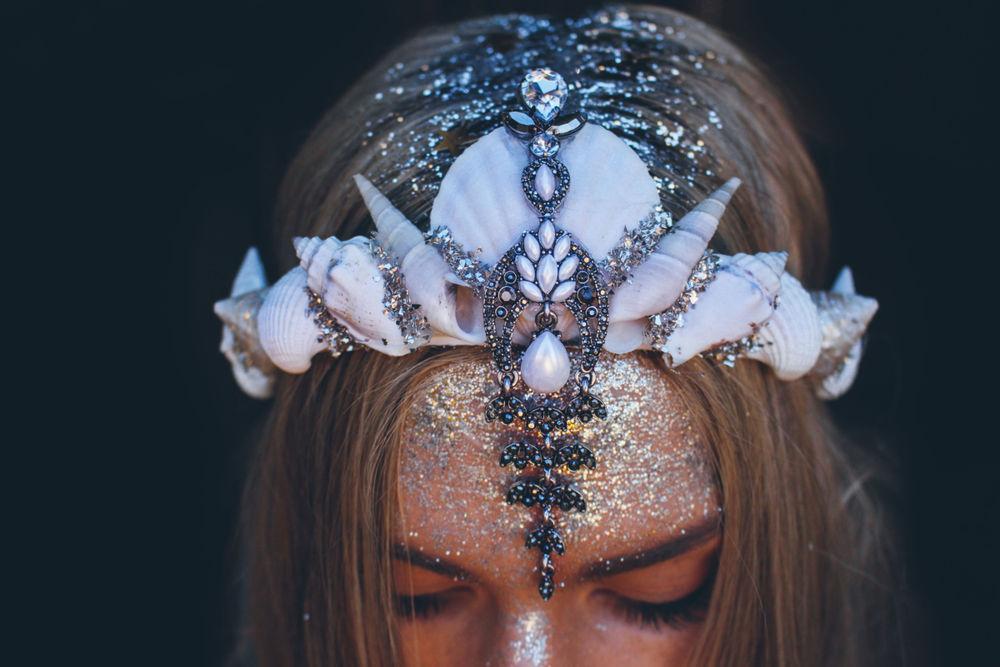 Великолепные короны из морских ракушек от Chelsea Shiels, фото № 14