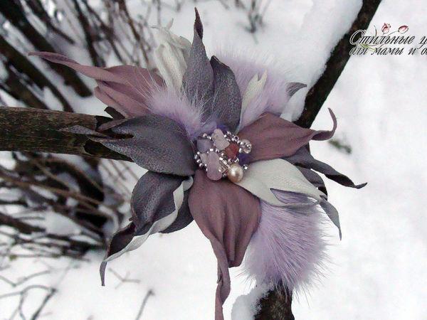 Фантазийная брошь цветок из кожи и меха | Ярмарка Мастеров - ручная работа, handmade