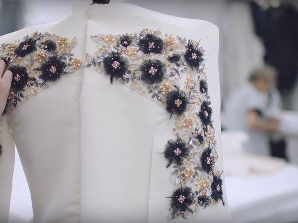 Вдохновляющая работа мастеров Chanel во время показа коллекции Fall-Winter 2016/17 Haute Couture | Ярмарка Мастеров - ручная работа, handmade
