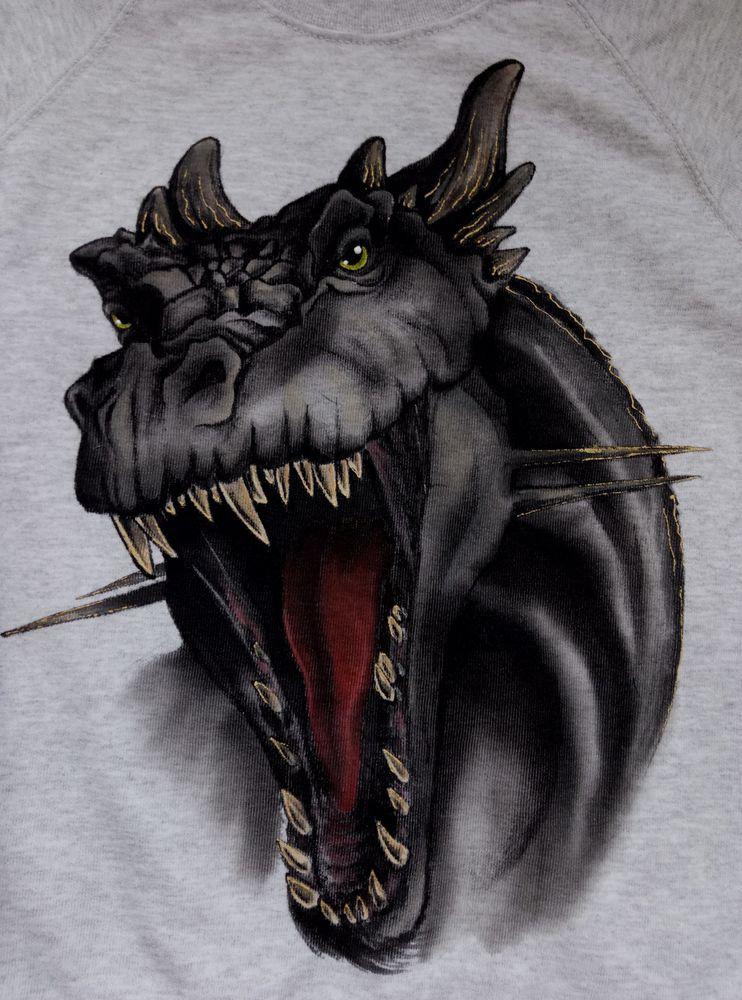 роспись по ткани, роспись свитшота, черный дракон, роспись акрилом