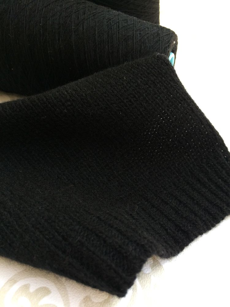 пряжа для заказа, черный, кашемир, итальянская пряжа, жилет, водолазка, джемпер, шапка бини, платье черное