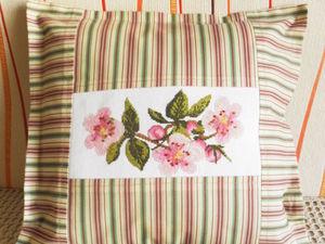 Щедрый аукцион. Наволочка с цветами яблони. Ручная вышивка крестом. Ярмарка Мастеров - ручная работа, handmade.