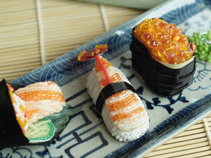 Аппетитные вышитые суши от Jiaran Studio. Ярмарка Мастеров - ручная работа, handmade.
