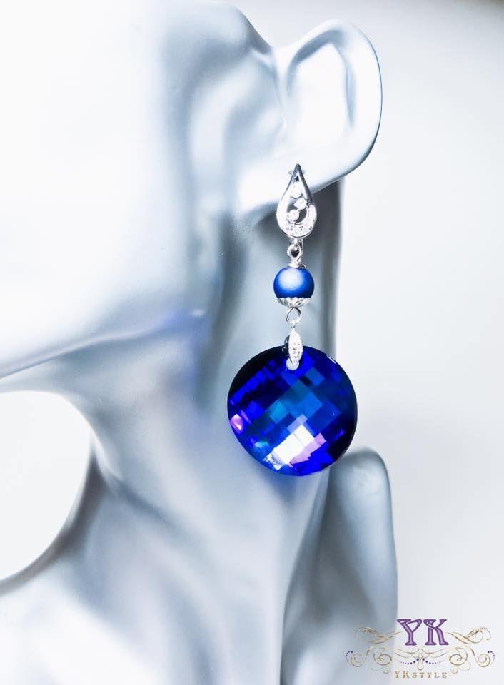 Серьги с кристаллами Сваровски.