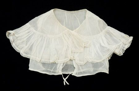 1840-1850 Cotton Chemisette (I think it may be more 1830s though from the width of the colar) - Snowshill Manor © National Trust / Simon Harris: