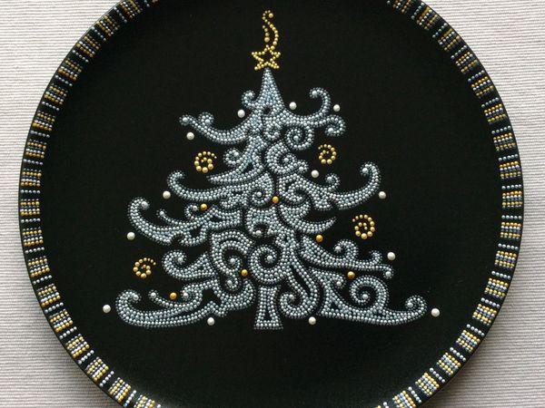 Точечная роспись на керамической поверхности. Декоративная тарелка в Новогодней тематике. | Ярмарка Мастеров - ручная работа, handmade