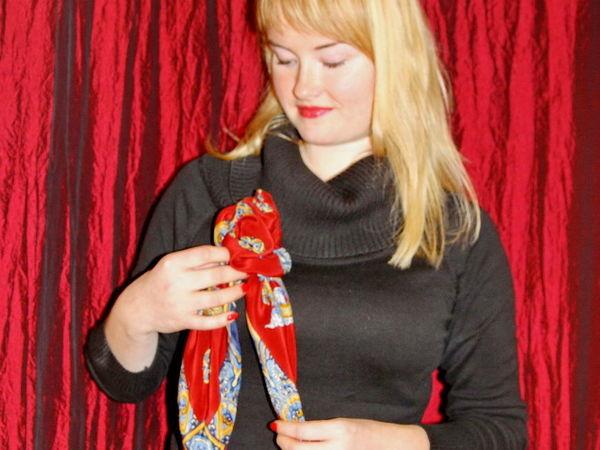 Как сделать розу-брошь из шелкового платка за две минуты   Ярмарка Мастеров - ручная работа, handmade