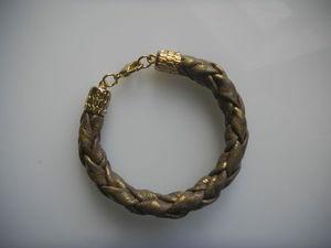 Видео мастер-класс: делаем кожаный браслет в технике плетения из четырех полос. Ярмарка Мастеров - ручная работа, handmade.