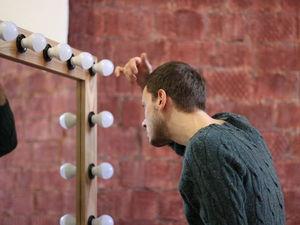 Фотомодель с лестничной площадки, а фотограф по объявлению))). Ярмарка Мастеров - ручная работа, handmade.
