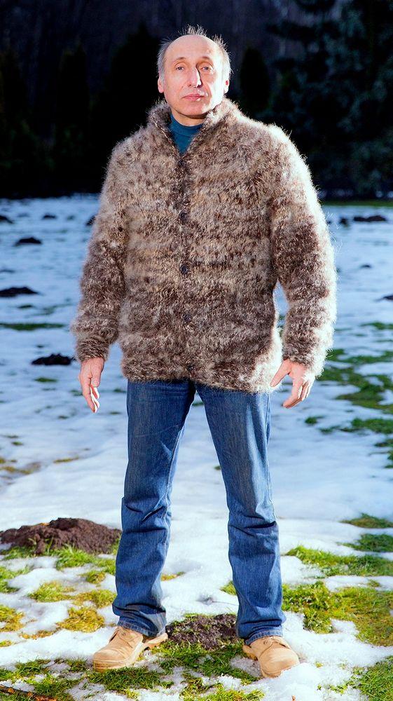 свитер по акции