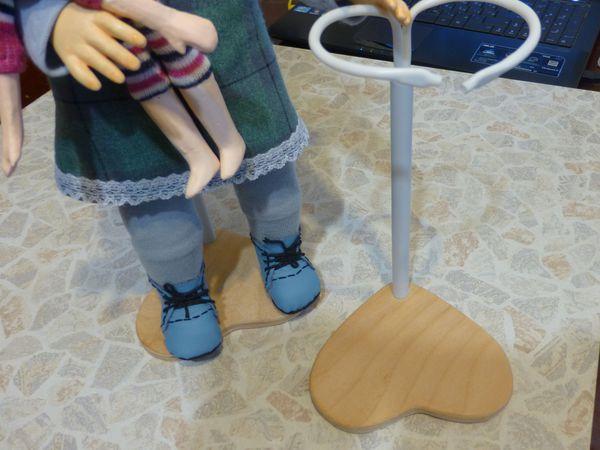 Подставка-держатель для куклы своими руками | Ярмарка Мастеров - ручная работа, handmade