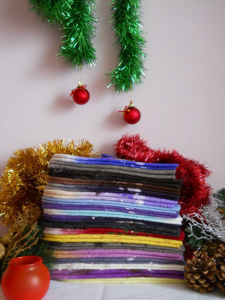 валяние, варежки с домиками, варежки с рисунком, подарок на новый год, купить подарок женщине, подарок подруге