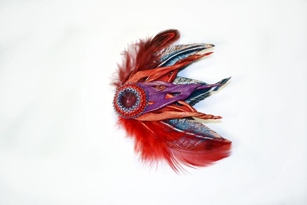 Брошка из перьев своими руками