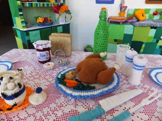 Вязаная кухня — английский ярнбомбинг-проект