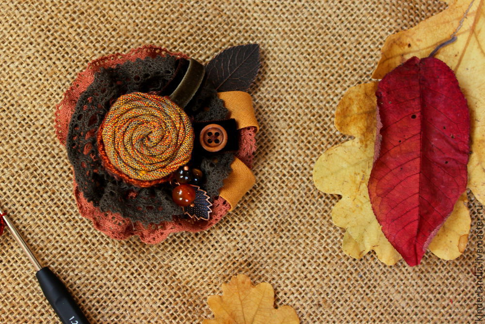 Symphony of Autumn Leaves: Creating a Textile Brooch, фото № 16