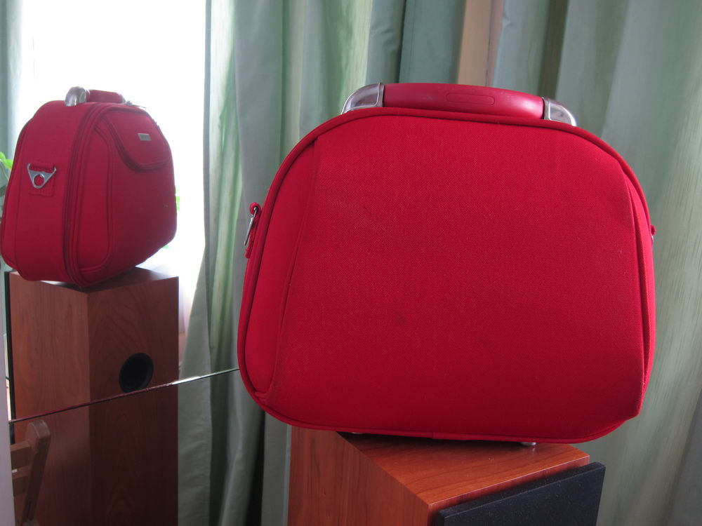 красная сумка, сумка орифлейм, акриловые контуры
