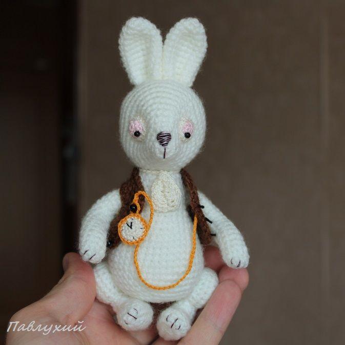 алиса в стране чудес, pavlukhii, заяц, заяц игрушка, белый кролик из алисы, белый кролик на заказ, кролик тедди вязаный, льюис кэрролл, вязаный заяц, кролик ручной работы