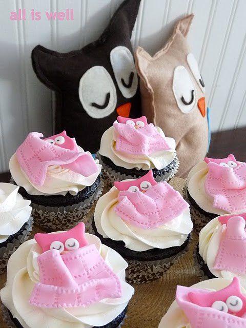 Cute owl party! Owl softies from felt. Cute owl cupcakes.