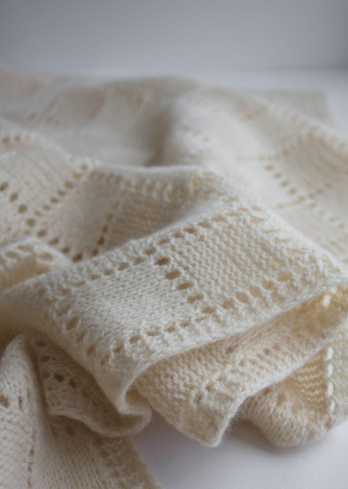 solarisartis, шерсть ягненка мериноса, палантин, вязаный шарф, широкий шарф, белый шарф, нежная пряжа