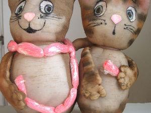 Интерьерная игрушка из капроновых колгот «Коты-друзья». Ярмарка Мастеров - ручная работа, handmade.