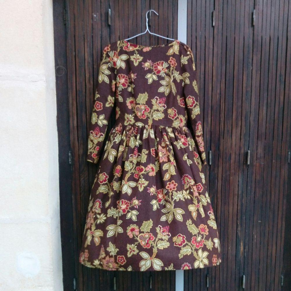флешмоб, платье, новое платье, платье с пышной юбкой, платье миди, платье по колено, красивое платье, французское платье, длинное платье, платье с орнаментом, платье с цветами, платье с принтом, новинка