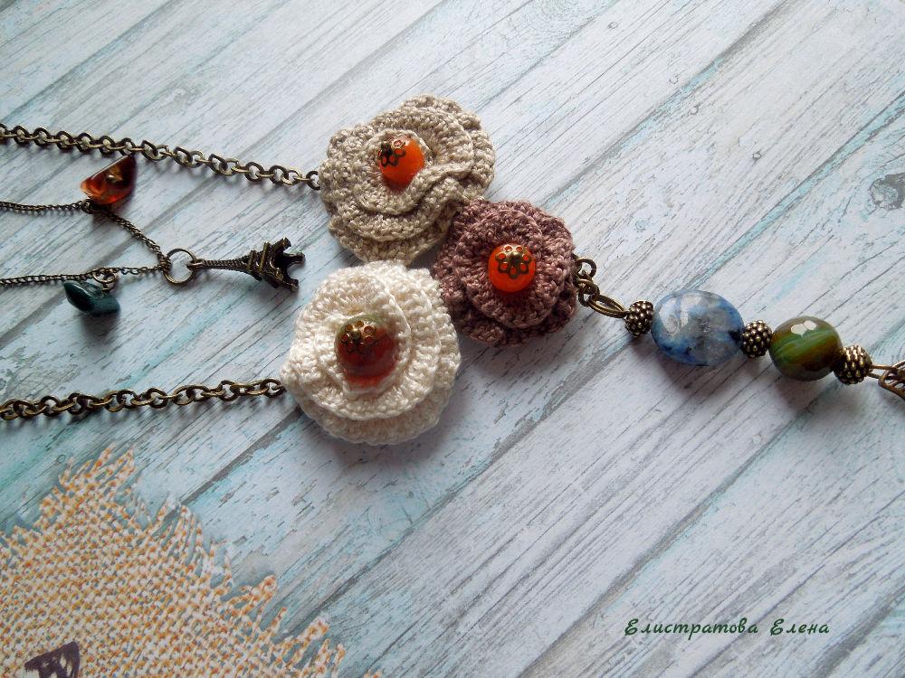 вязаное колье, париж, вязаные цветы