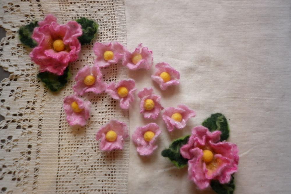 розовая роза, брошь ручной работы, авторский войлок