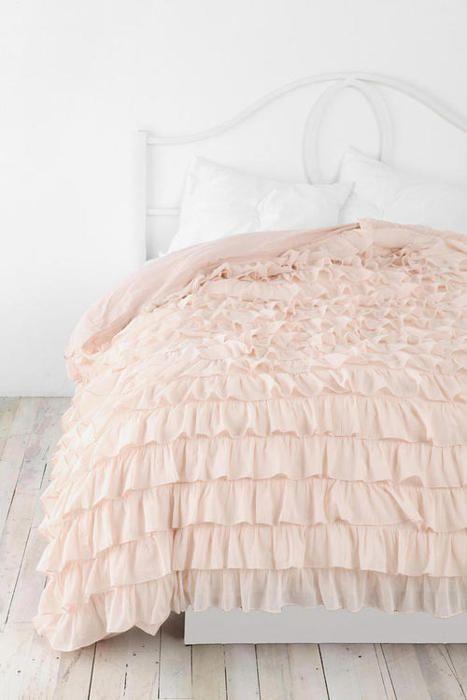 BEAUTIFUL bedspread.