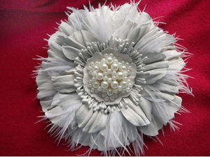 Мастер-класс: брошь-цветок из кожи с пером страуса | Ярмарка Мастеров - ручная работа, handmade