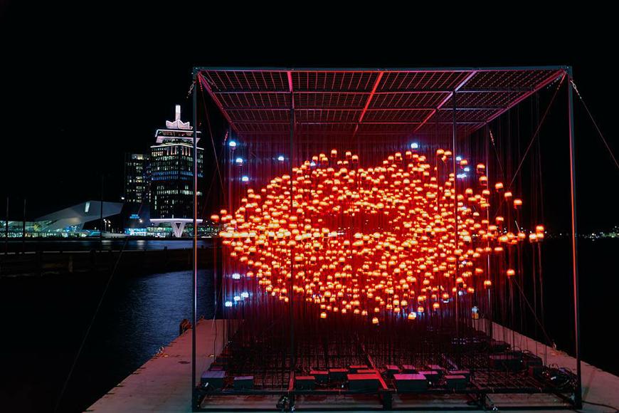 Ярче любых слов: открыт ежегодный фестиваль света в Амстердаме
