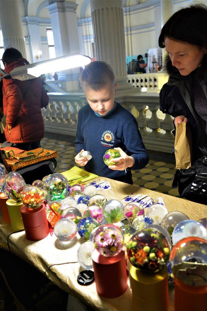 выставка, шары с растениями, выставка-ярмарка