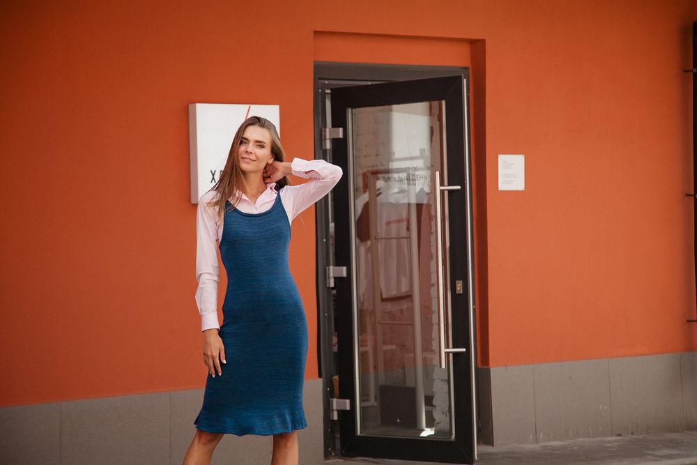 распродажа платьев, синее платье, акция магазина, скидка 20 %, сафан, march 1st