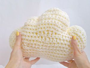 Вяжем подушку «Облачко» для детской. Ярмарка Мастеров - ручная работа, handmade.