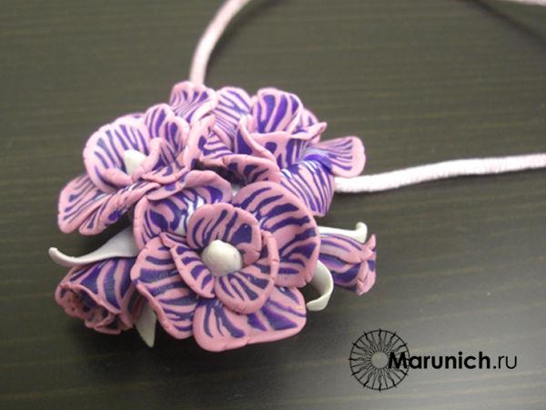 урок по цветам из пластики, мастер-класс цветы из полимерной глины, цветы своими руками, кулон с цветами