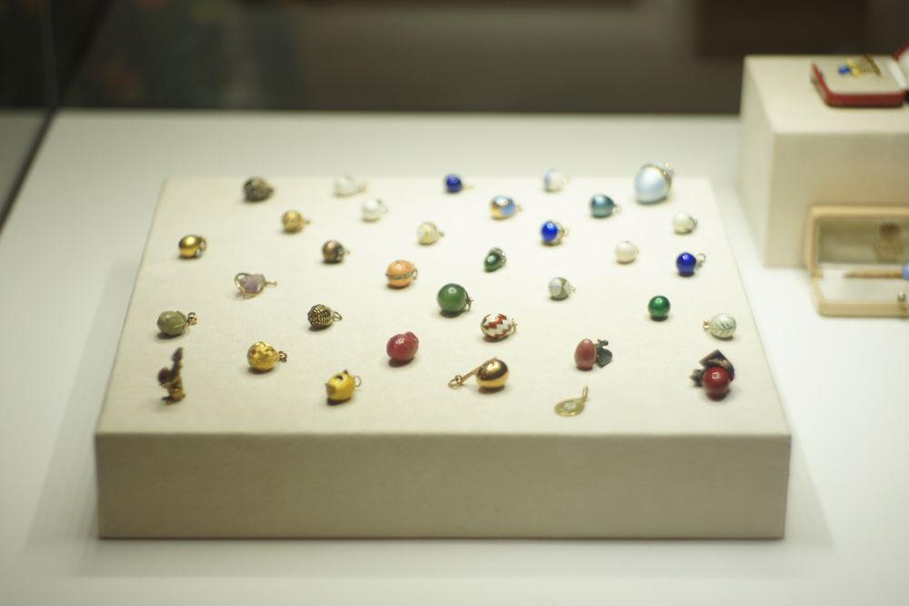 коллекционные украшения
