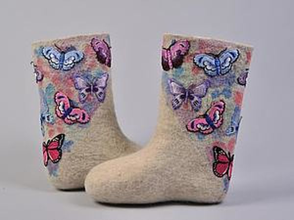 How to Decorate Felted Items: Embroidered Valenki Boots | Livemaster - handmade