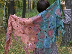 Теплая кружевная шаль платок шарф на осень зиму Изумруд и Корица. Ярмарка Мастеров - ручная работа, handmade.