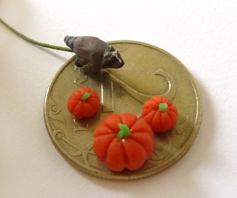 микро миниатюра, микро енот, миниатюра 1 к 144, sneak peek, микро, осень, миниатюра в орехе