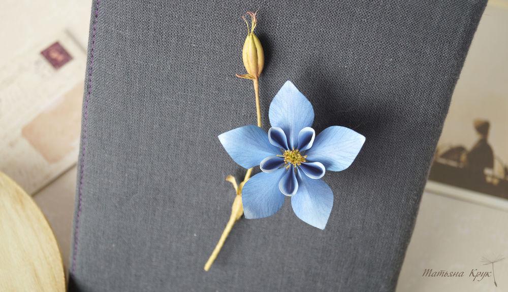 украшение с цветами