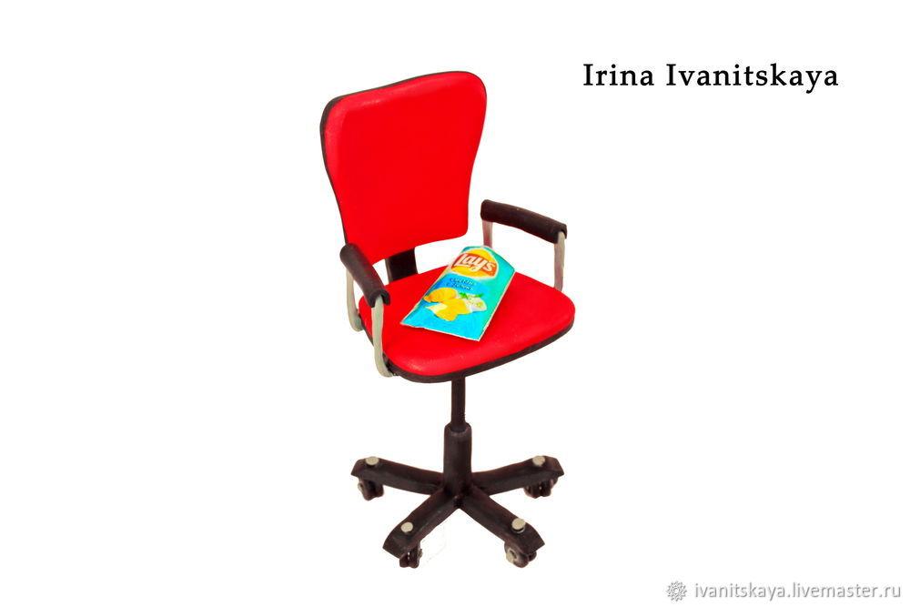 Как сделать кресло на колесиках для кукол 214