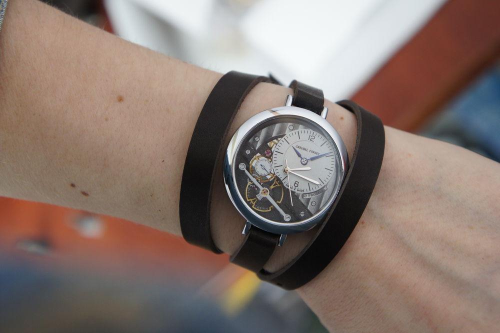 аукцион на украшения, наручные часы