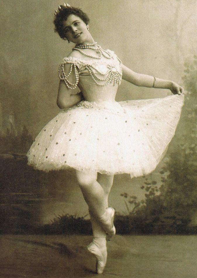 юбка пачка, туту, пышная юбка, мода, skirt, история моды, история юбки пачки