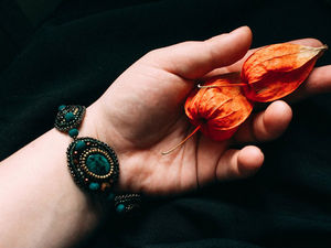 Emerald fairy tale Браслет из бисера с кристаллами Готовая работа. Ярмарка Мастеров - ручная работа, handmade.