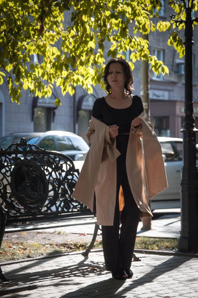 легкое пальто, бежевый сатин