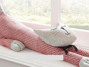 Креативная подушка от сквозняков. Ярмарка Мастеров - ручная работа, handmade.